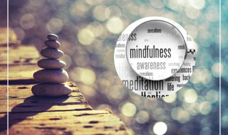 Kaip mindfulness gerina psichikos ir fizinę sveikatą? Pagrindinės mindfulness praktikų naudos, kurias tiria mokslas